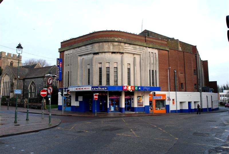 Cinema, High Street, Sittingbourne just before re-opening by Richard Cook Photography
