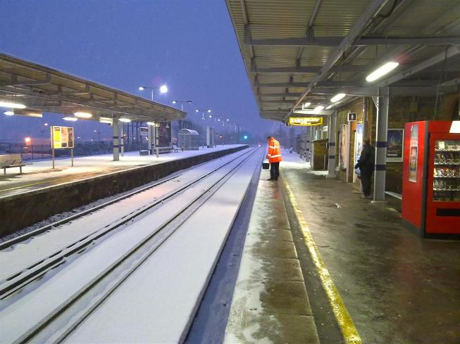 Heavy snow at Sittingbourne Railway Station by Richard Cook Photography